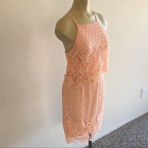 BB Dakota Dresses - NWOT! BB Dakota Peach Lace Dress size 6!